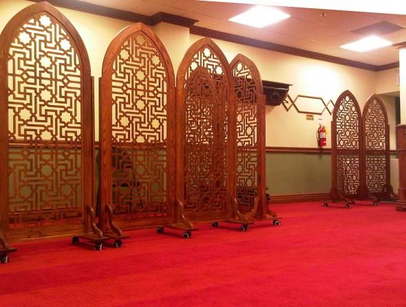 Night 1 - Masjid Toronto at Adelaide beautifully crafted wooden divider Monday July 8 2013
