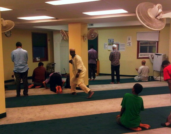 28 - Sunnah prayers after Salat al Maghrib, Hamilton Downtown Mosque - Wednesday August 7 2013