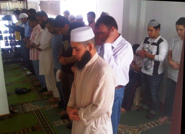 Salat Al Jumah Friday Prayer in Masjid in Medellin Colombia 2014-03-21-50024