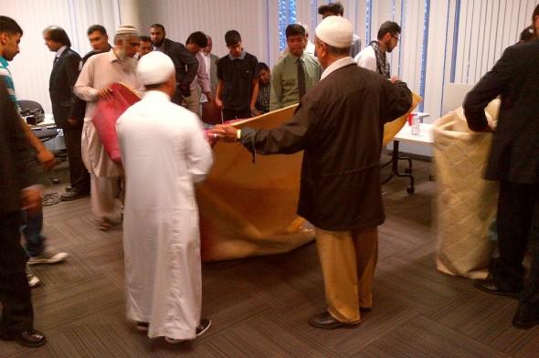 31 Division Community Response Unit, Muslim Community Iftar Dinner - 011