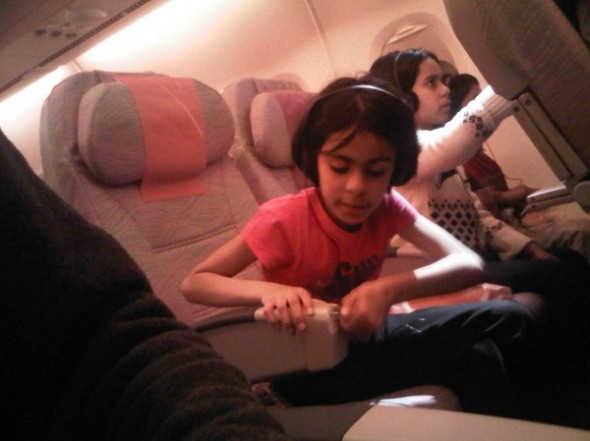 I lost my window seat when checking-in Was so these three well-behaved kids could be together Cool - twitpic-com-52jsmk