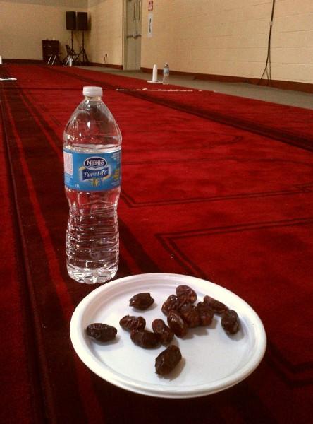 004 - IIT - Islamic Institute of Toronto - Ramdan Lecture & Iftar Program - Dates Plate & Bottled Water - Saturday June 20 2015