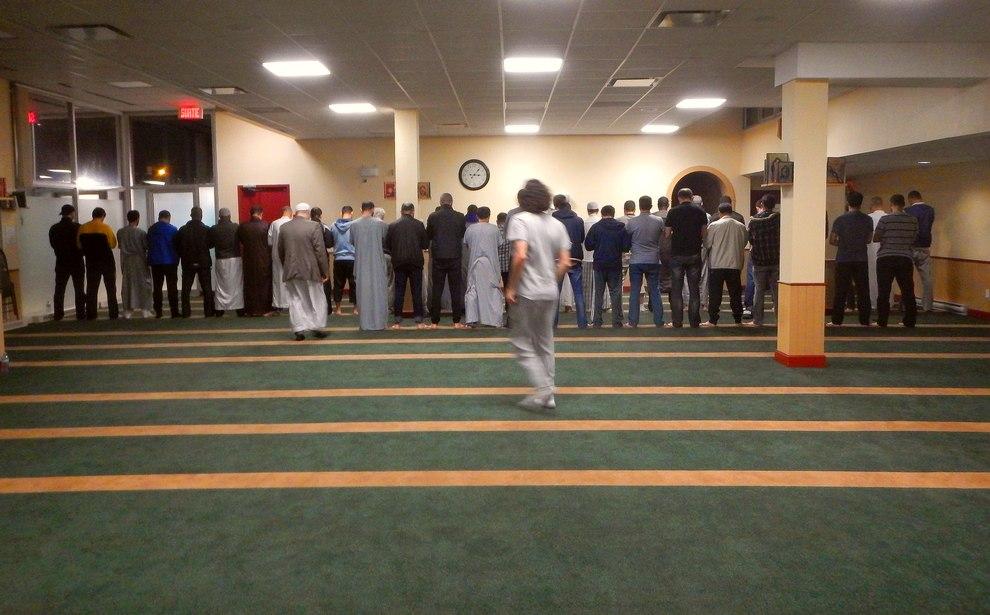 la grande muslim personals American vs muslim bag experiment karim jovian loading unsubscribe from karim jovian  homeless muslim experiment - duration: 5:42 karim jovian 7,082,884 views 5:42.